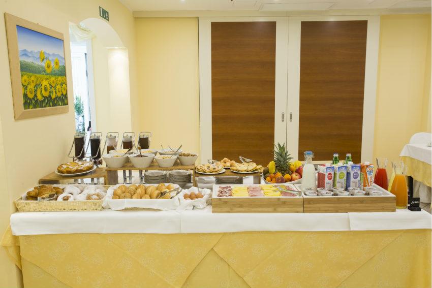 colazione buffet hotel cannes riccione